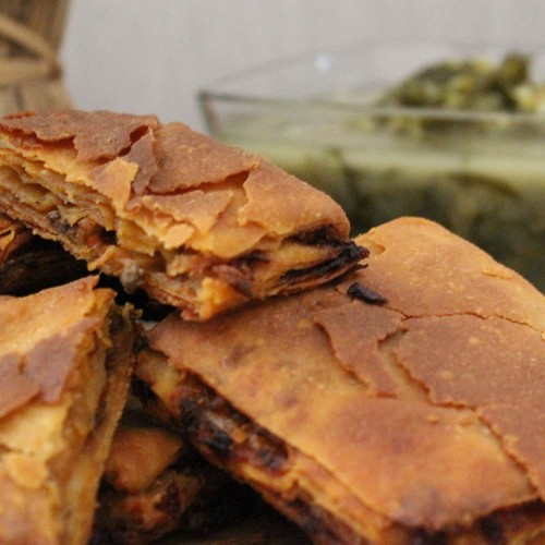 Ispanaklı Kömbe (El Açma Yufkalı Börek)
